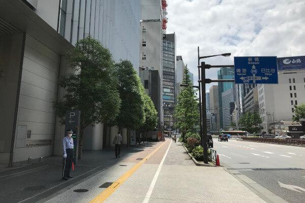 歌舞伎座タワー駐車場入り口