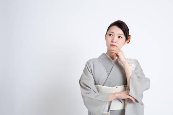 歌舞伎役者に花を贈ってもいいのか悩む女性